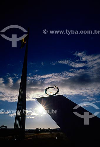Assunto: Vista do Pavilhão Nacional e da Pira da Pátria - Panteão da Pátria e da Liberdade Tancredo Neves / Local: Brasília - Distrito Federal (DF) - Brasil / Data: 04/2008