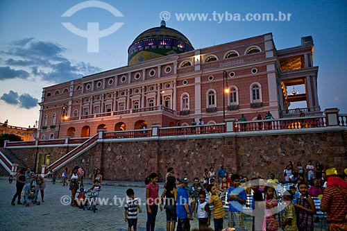 Assunto: Crianças durante recreação em frente ao Teatro Amazonas  / Local: Manaus - Amazonas (AM) - Brasil / Data: 10/2011
