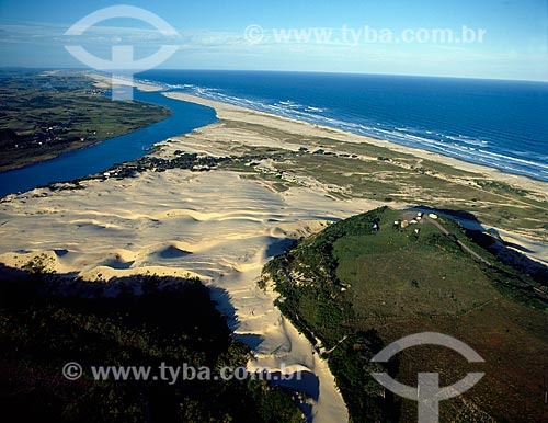 Assunto: Vista aérea da praia Morro dos Conventos / Loca: Araranguá - Santa Catarina (SC) - Brasil / Data: 06/2009