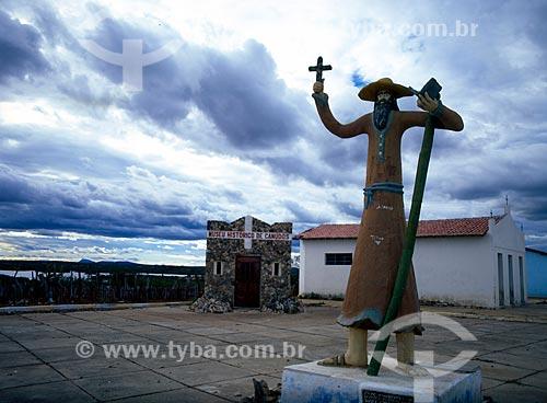 Assunto: Estátua de Antônio Conselheiro / Local: Canudos - Bahia (BA) - Brasil / Data: 08/2007