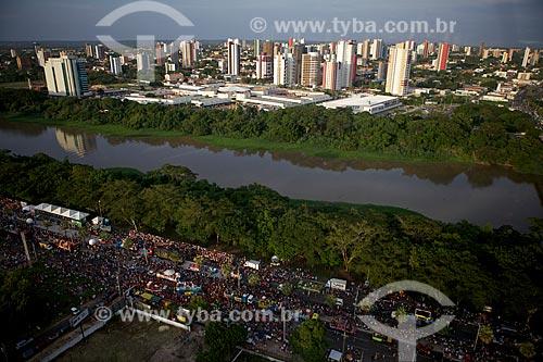 Assunto: Desfile de Corso Carnavalesco com Rio Poti e cidade ao fundo - Maior Corso do mundo / Local: Teresina - Piauí (PI) - Brasil / Data: 02/2012
