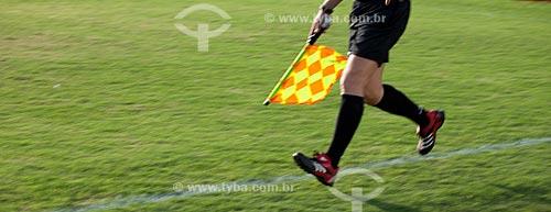 Assunto: Bandeirinha na lateral do campo de futebol - Jogo Ceará x Santos / Local: Fortaleza - Ceará (CE) - Brasil / Data: 11/2011