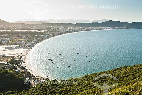 Assunto: Praia dos Ingleses vista da trilha que leva ao cume do Morro dos Ingleses / Local: Florianópolis - Santa Catarina (SC) - Brasil / Data: 01/2012