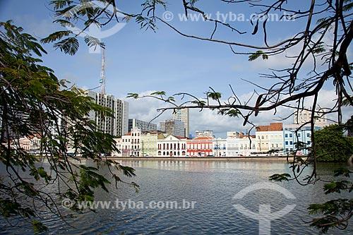 Assunto: Centro histórico de Recife e rua da Aurora na margem esquerda do Rio Capibaribe / Local: Recife - Pernambuco (PE) - Brasil / Data: 01/2012
