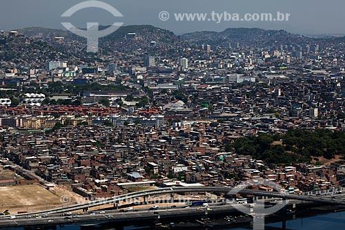 Assunto: Vista aérea do Complexo de Favelas da Maré / Local: Rio de Janeiro (RJ) - Brasil / Data: 03/2012
