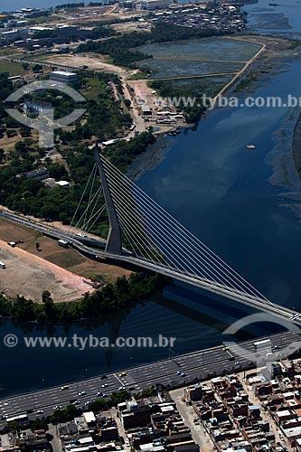 Assunto: Vista aérea da Ponte do Saber - Ligação entre o continente e a Cidade Universitária / Local: Rio de Janeiro (RJ) - Brasil / Data: 03/2012