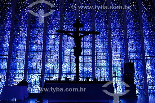 Interior do Santuário Dom Bosco, decorado com um lustre composto de 7.400 copos de vidro Murano. A Igreja foi construida em homenagem ao padroeiro de Brasília São João Melchior Bosco  - Brasília - Distrito Federal - Brasil