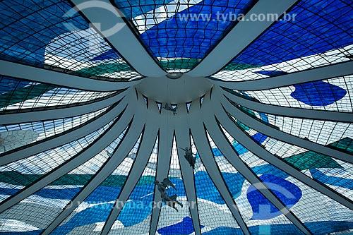 Assunto: Vista do interior da Catedral Metropolitana de Nossa Senhora Aparecida (Catedral de Brasília) com anjos suspensos / Local: Brasília - Distrito Federal (DF) - Brasil / Data: 11/2011