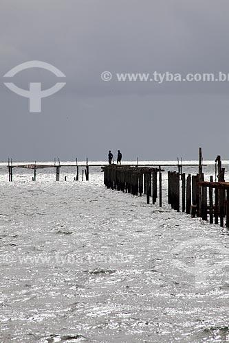 Assunto: Píer na Praia do Laranjal - Lagoa dos Patos / Local: Pelotas - Rio Grande do Sul (RS) - Brasil / Data: 02/2012