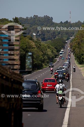 Assunto: Acesso a região litorânea entre Viamão e Cidreira - Rodovia RS-040 altura do KM 12 / Local: Rio Grande do Sul (RS) - Brasil / Data: : 02/2012