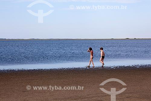 Assunto: Crianças na  Lagoa do Peixe  / Local: Tavares - Rio Grande do Sul (RS) - Brasil / Data: 02/2012