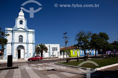 Assunto: Igreja Matriz de São Luiz Rei da França e casario com estilo açoriano / Local: Mostardas - Rio Grande do Sul (RS) - Brasil / Data: 02/2012