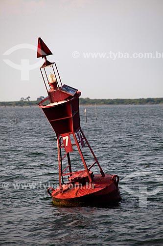 Assunto: Bóia sinalizadora / Local: São José do Norte - Rio Grande do Sul (RS) - Brasil / Data: 02/2012