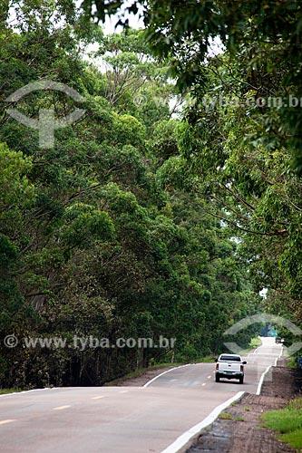 Assunto: Carro na Rodovia BR-471 / Local: Santa Vitória do Palmar - Rio Grande do Sul (RS) - Brasil / Data: 02/2012