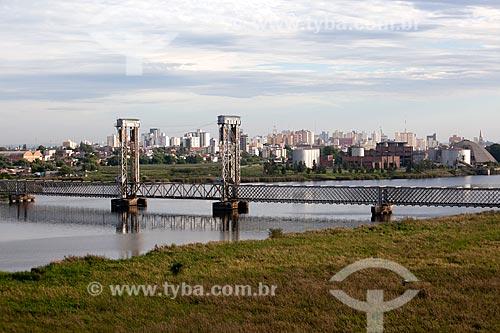 Assunto: Ponte Ferroviária sobre o Canal de São Gonçalo / Local: Pelotas - Rio Grande do Sul (RS) - Brasil / Data: 02/2012