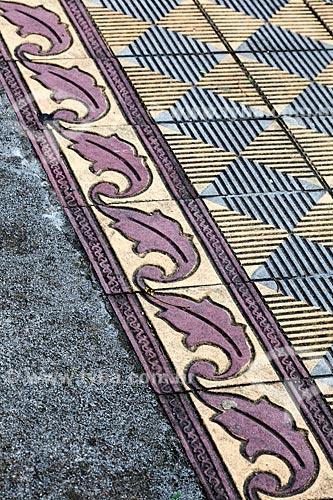 Assunto: Piso de cerâmica na Praça Coronel Pedro Osório / Local: Pelotas - Rio Grande do Sul (RS) - Brasil / Data: 02/2012