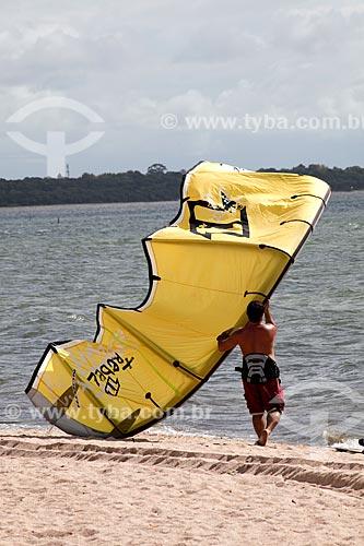 Assunto: Kitesurf na Praia do Laranjal - Lagoa dos Patos / Local: Pelotas - Rio Grande do Sul (RS) - Brasil / Data: 02/2012
