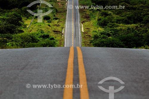 Assunto: Rodovia Estadual CE-363 que liga os municípios de Tauá e Mombaça   / Local: Tauá - Ceará (CE) - Brasil / Data: 04/2011