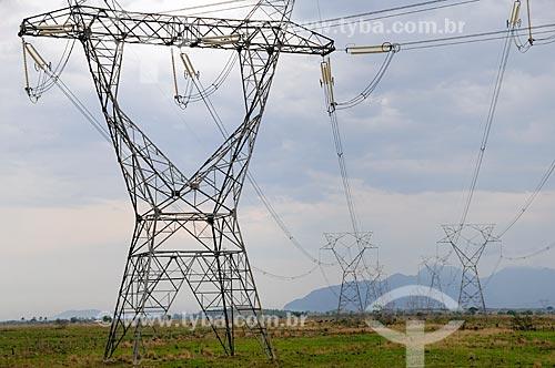 Assunto: Torres de transmissão de energia elétrica na BR-465 - Antiga Rodovia Rio-São Paulo / Local: Seropédica - Rio de Janeiro (RJ) - Brasil / Data: 10/2011