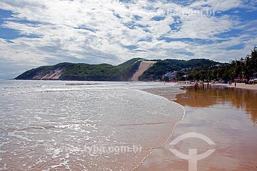 Assunto: Praia de Ponta Negra e Morro Careca ao fundo / Local: Natal - Rio Grande do Norte (RN) - Brasil / Data: 03/2012