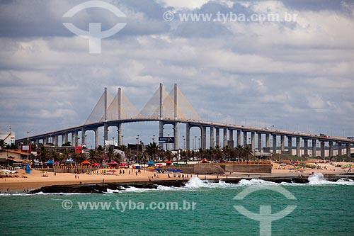 Assunto: Praia do Forte com Ponte de Todos Newton Navarro ao fundo / Local: Natal - Rio Grande do Norte (RN) - Brasil / Data: 03/2012