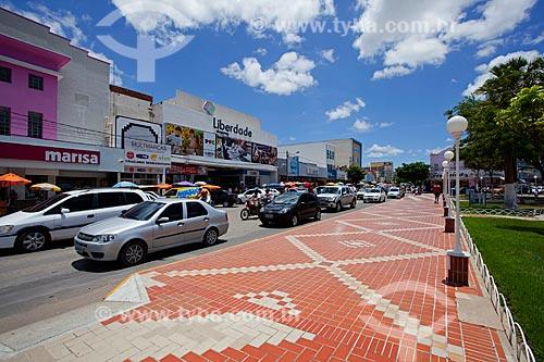 Assunto: Rua Tiradentes ao lado da Praça Rodolfo Fernandes - Também conhecida como Praça do Pax  / Local: Mossoró - Rio Grande do Norte (RN) - Brasil / Data: 03/2012