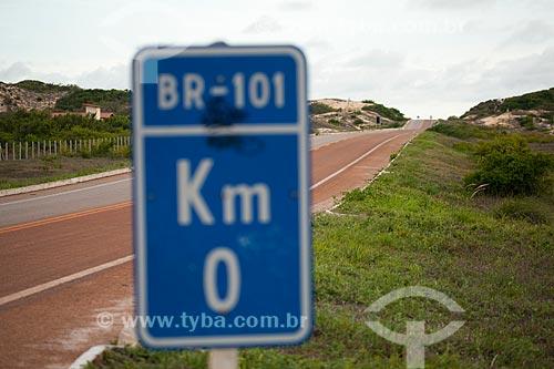 Assunto: Placa indicando KM 0 na Rodovia Governador Mario Covas / Local: Touros - Rio Grande do Norte (RN) - Brasil / Data: 03/2012