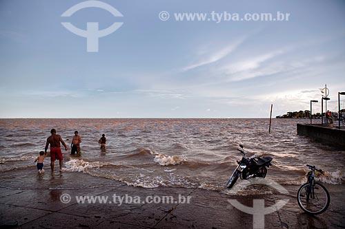 Assunto: Lazer na Orla de Santa Inês (Beira Rio) - Rio Amazonas / Local: Macapá - Amapá (AP) - Brasil / Data: 04/2012