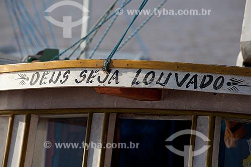 Assunto: Detalhe de barco - Mercado da Rampa de Santa Inês (Rampa do Açaí) / Local: Macapá - Amapá (AP) - Brasil / Data: 04/2012