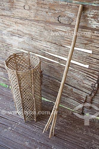 Assunto: Museu Sacaca - Jamaxi e Cambito, ferramentas para facilitar a coleta do ouriço da castanha / Local: Macapá - Amapá (AP) - Brasil / Data: 04/2012