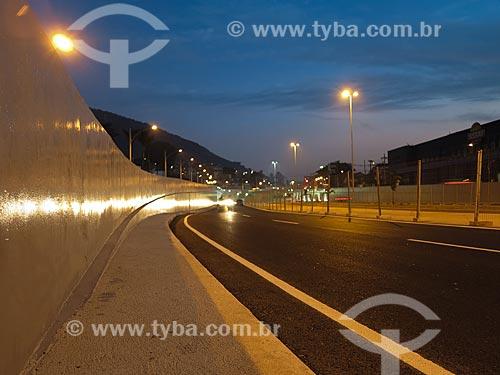 Assunto: Vista noturna do Mergulhão Clara Nunes no subúrbio do Rio de Janeiro / Local: Campinho - Rio de Janeiro (RJ) - Brasil / Data: 05/2012