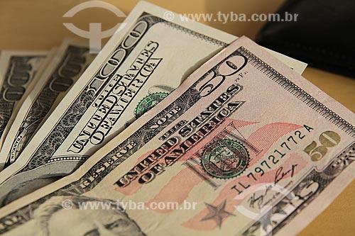 Assunto: Moeda corrente americana - Cédula de cinquenta e cem dólares / Local: Estúdio / Data: 04/2012