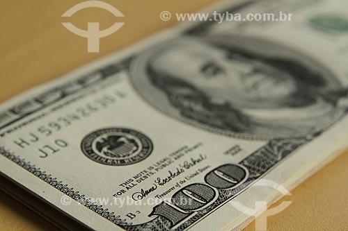 Assunto: Moeda corrente americana - Cédula de cem dólares / Local: Estúdio / Data: 04/2012
