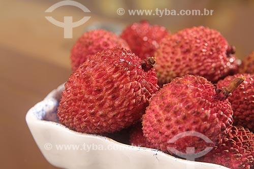 Assunto: Detalhe de fruta Lichia (Litchi chinensis Sonn) / Local: Estúdio / Data: 01/2012
