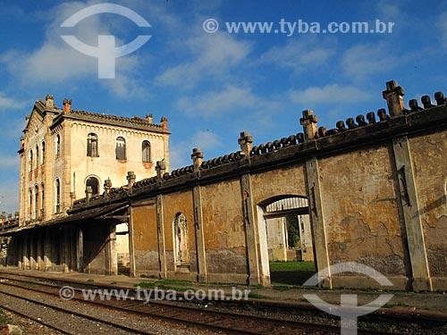 Assunto: Estação Ferroviária de Cachoeira Paulista (1877) - Construída para ligar as Estradas de Ferro Norte  (SP) e Dom Pedro II (RJ) / Local: Cachoeira Paulista - São Paulo (SP) - Brasil / Data: 06/2012