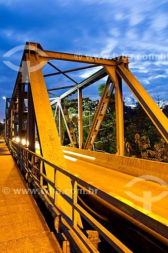 Assunto: Ponte Aldo Pereira de Andrade também conhecida como Ponte de Ferro / Local: Blumenau - Santa Catarina (SC) - Brasil / Data: 06/2012