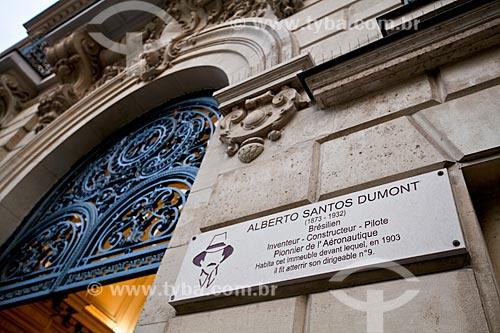 Fachada da casa de Santos Dumont em Paris - Avenida Champs Élysées, 114  - França