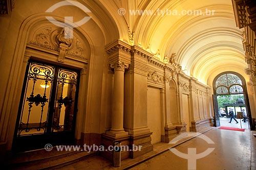 Hall de entrada da Casa de Santos Dumont em Paris - Avenida Champs Élysées, 114  - França