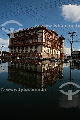 Assunto: Prédio da Alfândega e Guardamoria durante o período de cheia / Local: Manaus - Amazonas (AM) - Brasil / Data: 06/2012
