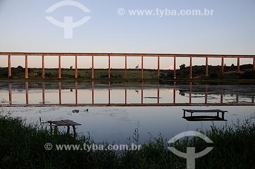 Assunto: Ponte da ferrovia de Carajás no bairro de Piquiá de Baixo / Local: Açailândia - Maranhão (MA) - Brasil / Data: 05/2012