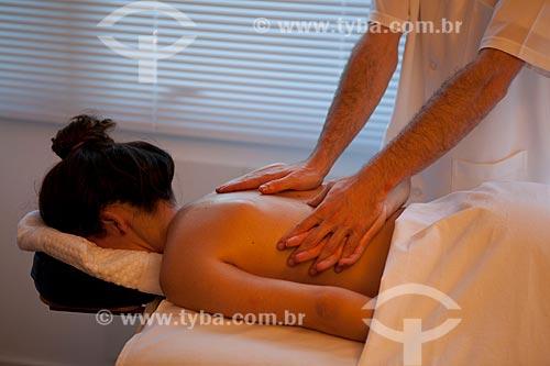 Assunto:  Terapia Ayurvédica  -  Abhyanga  ( Massagem com óleo )  / Local: Rio de Janeiro  -  Rio de Janeiro  ( RJ )   -  Brasil / Data: