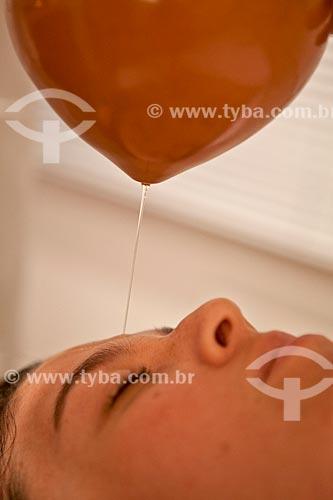 Assunto: Terapia Ayurvédica  -  Shirodhara  (Fluxo contínuo de óleo morno dirigido à cabeça )  / Local: Rio de Janeiro - Rio de Janeiro  (RJ) - Brasil / Data: 05/2012