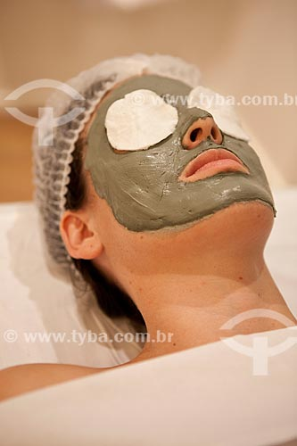 Assunto: Geoterapia facial  ( Argila medicinal )  / Local: Rio de Janeiro  -  Rio de Janeiro  ( RJ )   -  Brasil / Data: 05/2012