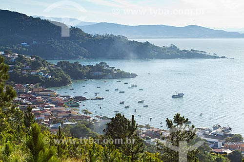 Assunto: Praia de Ganchos do Meio / Local: Governador Celso Ramos - Santa Catarina (SC) - Brasil / Data: 07/2012