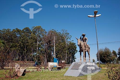 Assunto: Monumento ao Tropeiro na cidade de Capão Bonito - Na praça do Tropeiro / Local: Capão Bonito - São Paulo (SP) - Brasil / Data: 01/2012
