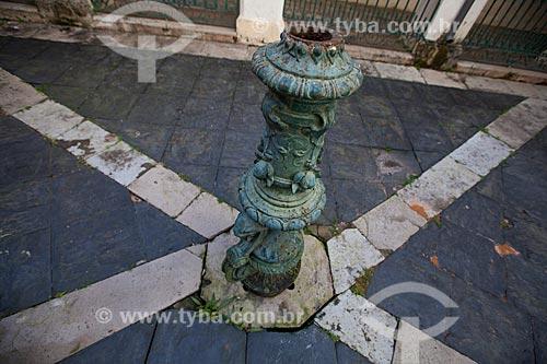 Assunto: Fonte do cláustro da Igreja da Ordem Terceira de Nossa Senhora do Monte do Carmo (1636)  / Local: Largo do Carmo - Salvador - Bahia (BA) - Brasil / Data: 07/2012