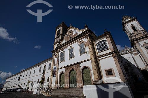 Assunto: Antigo convento do Carmo - Atual Hotel Pestana do Carmo - construção horizontal à esquerda - e fachada da Igreja do Carmo (Séc. XVII) à direita / Local: Largo do Carmo - Salvador - Bahia (BA) - Brasil / Data: 07/2012
