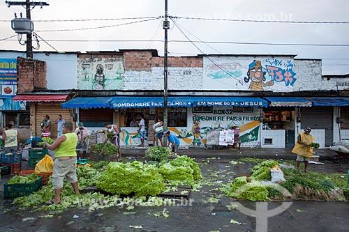 Assunto: Venda de verduras na feira de São Joaquim  / Local: Salvador - Bahia (BA) - Brasil / Data: 07/2012