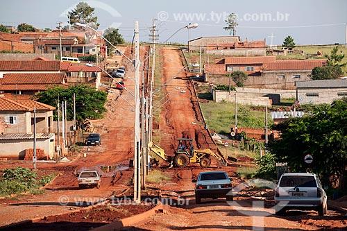 Assunto: Obra pública em rua de terra da cidade de Taquarivaí  / Local: Taquarivaí - São Paulo (SP) - Brasil / Data: 02/2012