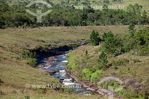 Assunto: Rio Verde - Divisa natural entre as cidades de Itararé e Itaberá / Local: Itararé - São Paulo (SP) - Brasil / Data: 02/2012